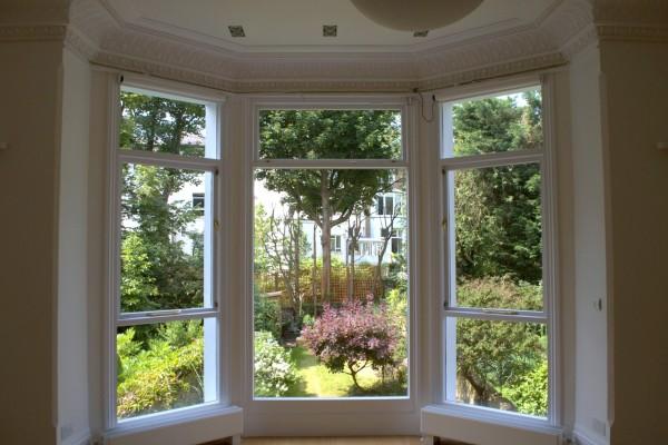 Sash bay window