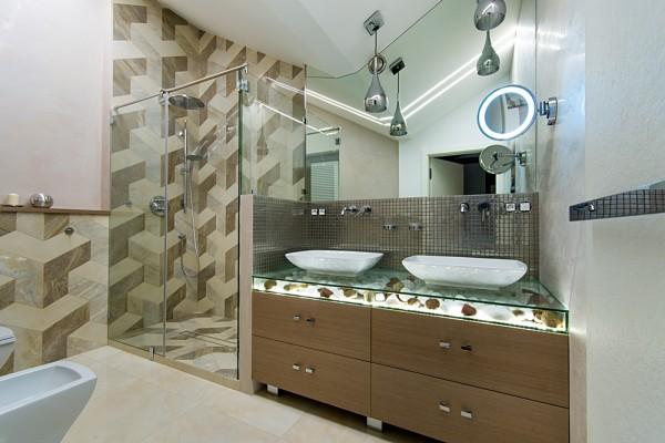 Gdansk modern apartment shower