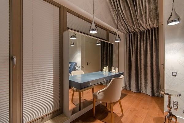 Gdansk modern apartment mirror